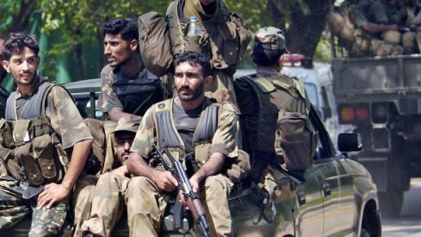 Armee kontrolliert Rote Moschee