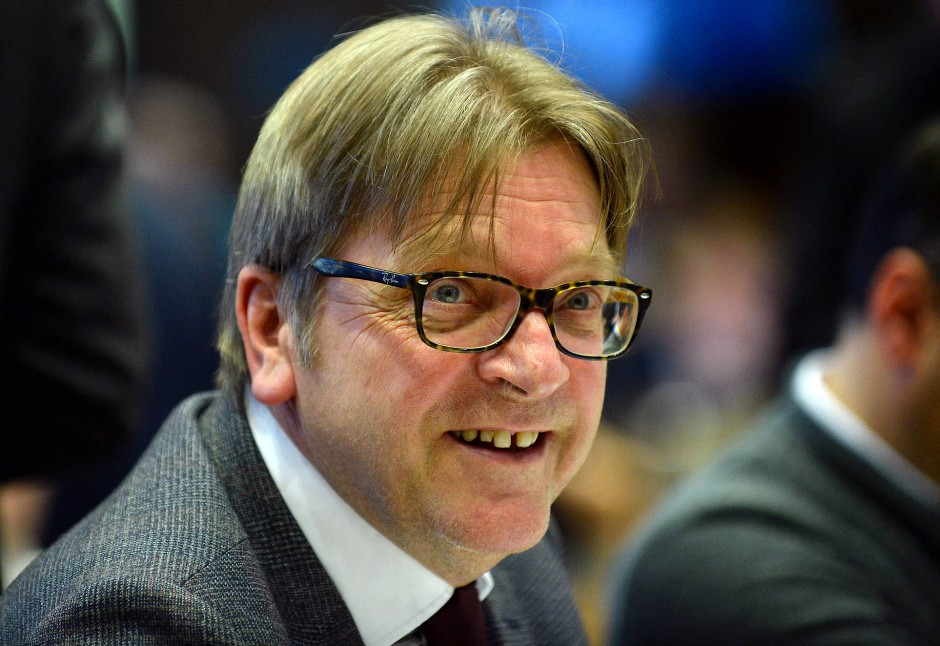 """Guy Verhofstadt gehört der liberalen """"Renew Europe""""- Fraktion im Europäischen Parlament an und war Chefunterhändler des Europäischen Parlaments für die Austrittsverhandlungen mit dem Vereinigten Königreich."""