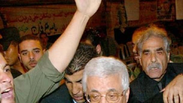 Abbas spielt Schußwechsel herunter