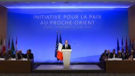 Frankfreichs Präsident hält seine Eröffnungsrede auf der Nahostkonferenz in Paris.