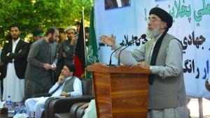 Berüchtigter Kriegsherr ruft Taliban zu Frieden auf