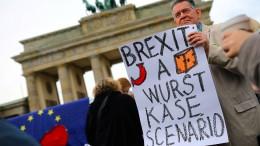 Abgeordnete wollen Brexit-Verschiebung notfalls einklagen