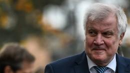 Seehofer will Innenminister bleiben