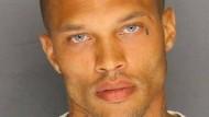 Sexy Verbrecher unterschreibt Modelvertrag