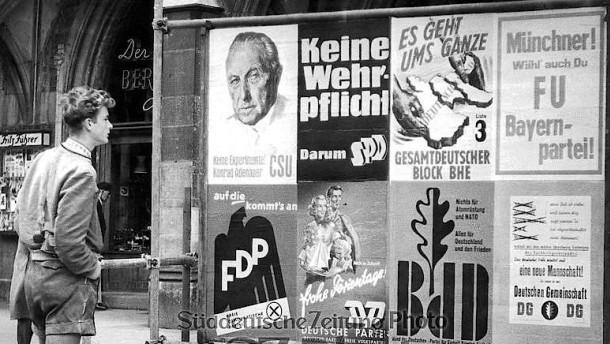 1957: Im Bundestag dank Adenauer