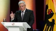 Gauck: Integration der Flüchtlinge schwieriger als deutsche Einheit