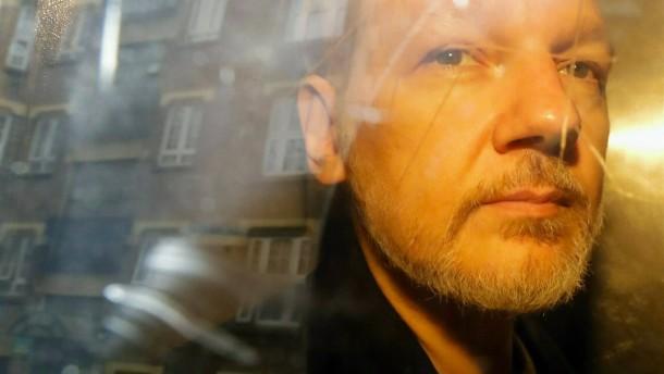 Staatsanwaltschaft beantragt Haftbefehl gegen Assange