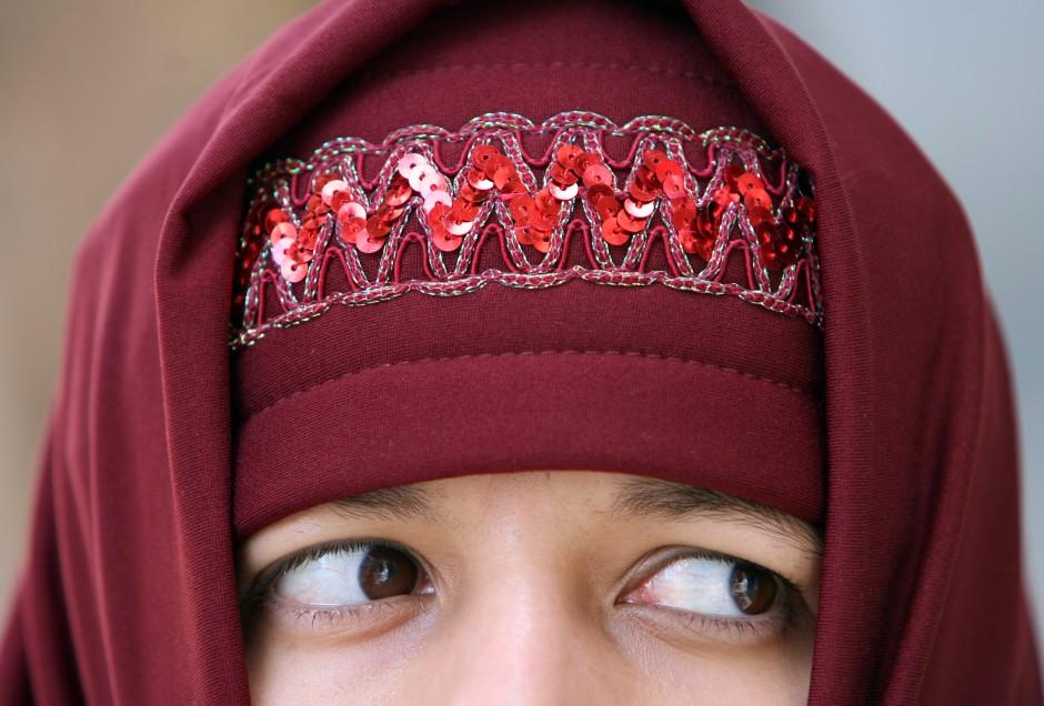 Fremd in dem Land, in dem sie geboren sind: Gerade junge Muslime fühlen sich wegen ihres Glaubens in Deutschland oft ausgegrenzt