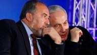 Nicht immer beste Freunde: Benjamin Netanjahu (r.) und sein neuer Verteidigungsminister Avigdor Lieberman