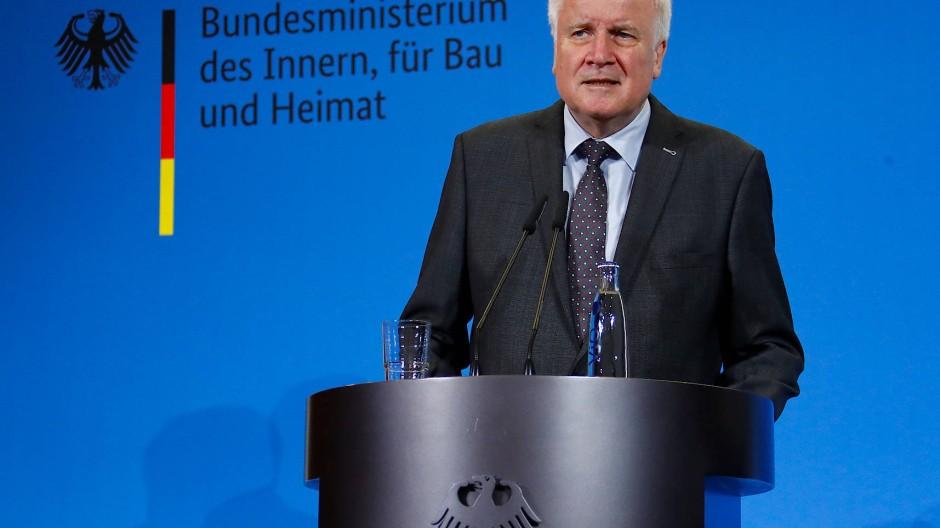 Ging es nicht etwas schneller? Horst Seehofer kritisiert, dass die Einigung um Maaßen erst am Wochenende erzielt wurde.