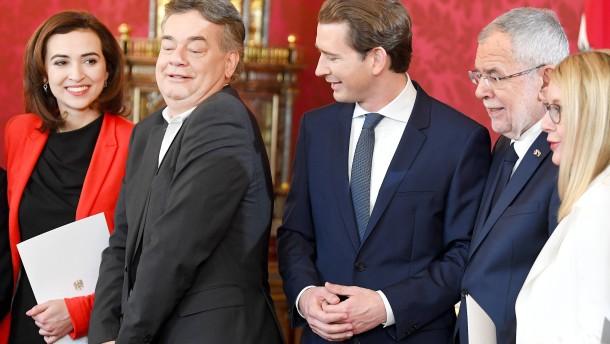Neue Regierung in Österreich vereidigt