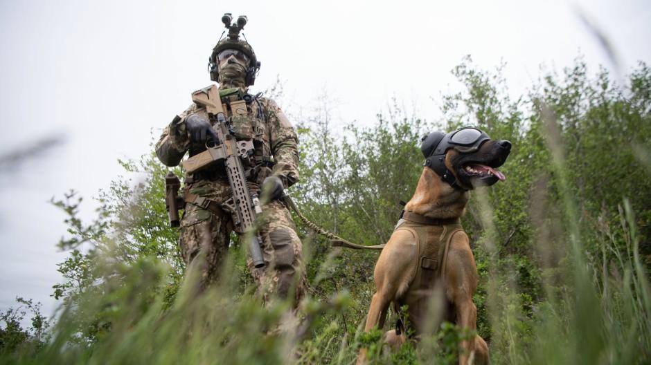 Ein Soldat der Kommando Spezialkräfte.