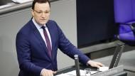 Appelliert an die Bürgerinnen und Bürger, sich impfen zu lassen: Bundesgesundheitsminister Jens Spahn (CDU) am Mittwoch bei seiner Regierungserklärung im Bundestag