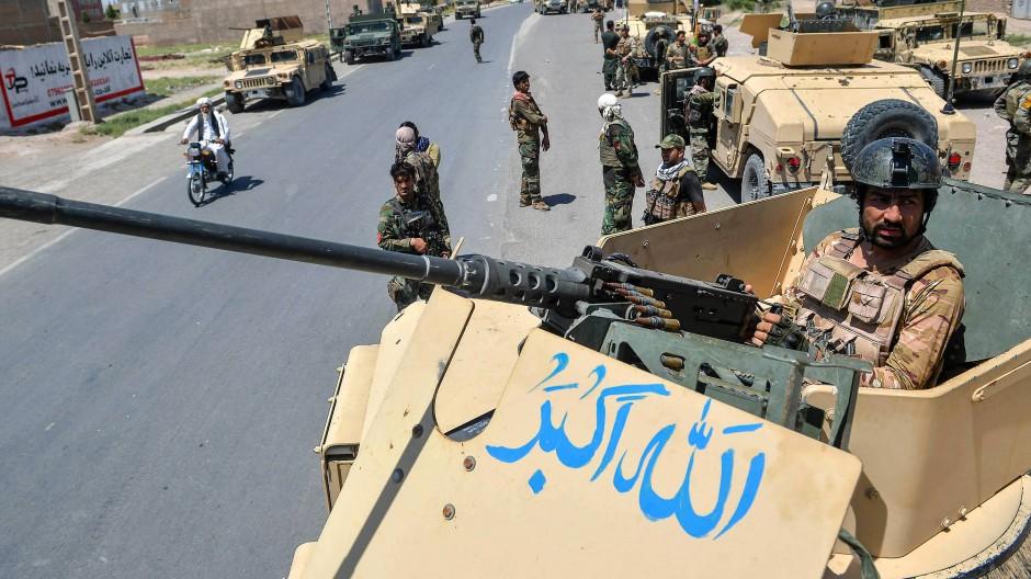 Soldaten der afghanischen Armee in Enjil in der Provinz Herat am 1. August