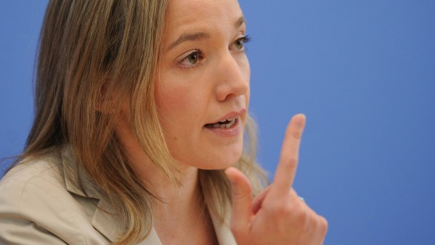 Schröder will Zuschüsse für Tagesmütter