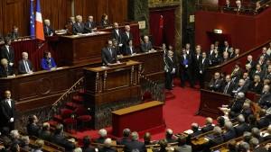 Hollande will Terroristen Staatsbürgerschaft entziehen