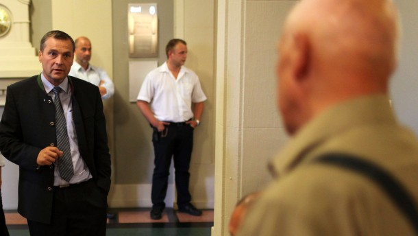 NPD-Fraktionschef Pastörs vor Gericht