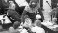 Revolution ist machbar, Herr Nachbar: Die Grünen-Politiker Otto Schily, Marieluise Beck, Walter Schwenninger und Petra Kelly mit Helmut Kohl im Jahr 1983