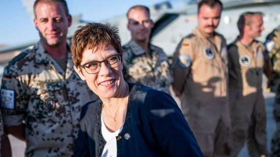Kramp-Karrenbauer will Nahost-Einsatz fortsetzen