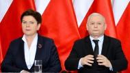 Sie musste gehen. Beate Szydlo neben PiS-Hhef Jaroslaw Kaczynski, der die Kämpfe in seiner Partei nicht länger unter Kontrolle hat.