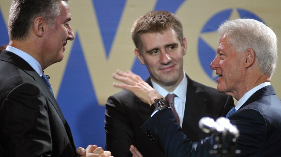 Mächtige Unterstützung: Djukanovic, Luksic und Clinton im Mai in Budva