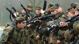 Debatte über Wehrpflicht als Sommerthema?