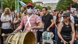 Tausende Russen protestieren in Chabarowsk