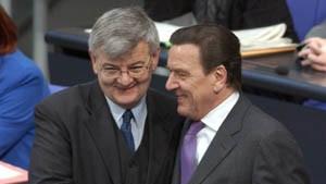 Schröder und Fischer verteidigen Nein zum Irak-Krieg