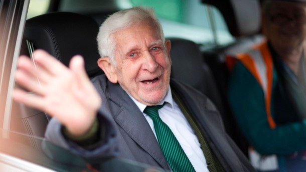 Britischer Veteran türmt aus dem Altersheim