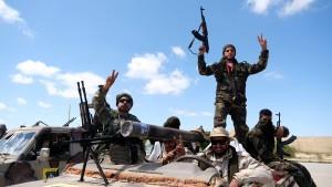Libyens Regierungskräfte wollen General Haftar zurückschlagen