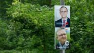 Es kann nur einer Berlin regieren: Wahlplakate mit dem Regierendem Bürgermeister Michael Müller (SPD) und Innensenator Frank Henkel (CDU).