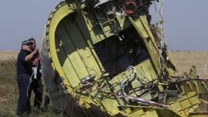 Ermittlungen am Absturzort von MH17 kommen voran