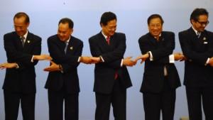Mit Washington und Moskau gegen Peking