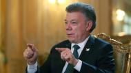 Der kolumbianische Präsident Juan Manuel Santos bekommt den Friedensnobelpreis.