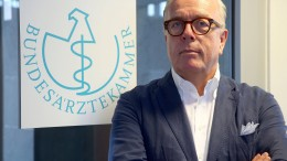 Reinhardt fordert schnellere Impfstoff-Prüfung in Europa