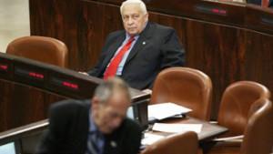 Scharon will Minister entlassen