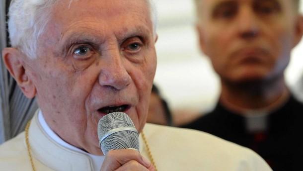 Benedikt verlangt Ächtung jeder Gewalt