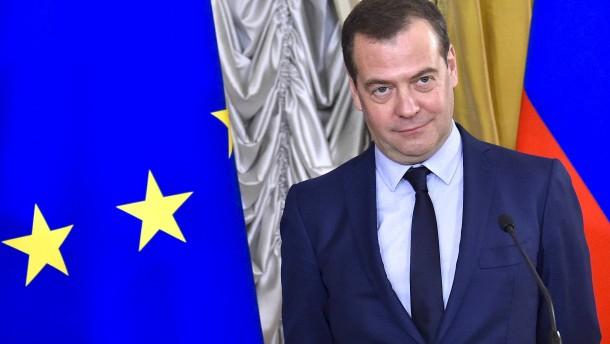 Medwedjew bleibt Chef der Regierungspartei