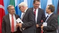 UN-Flüchtlingskommissar Guterres, Außenminister Steinmeier, Entwicklungsminister Müller und der libanesische Außenminister Bassil (von links)