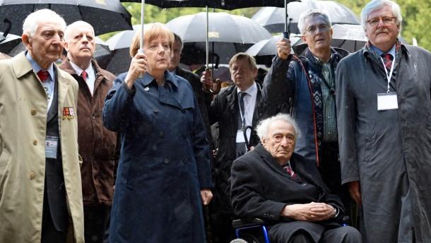 Merkel dankt Zeitzeugen für Erinnern an Nazi-Terror