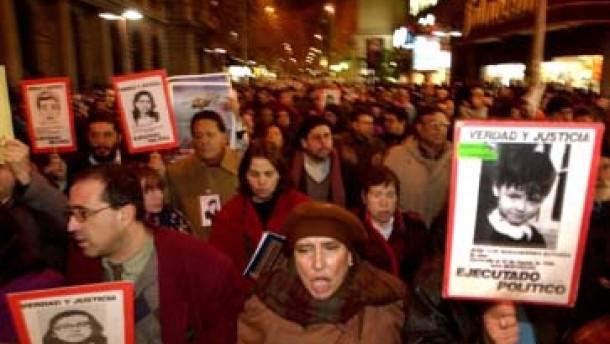 Kläger kündigen Beschwerde gegen Pinochet-Entscheidung an