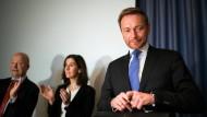 Christian Lindner nach dem Scheitern der Sondierungsgespräche bei der Sitzung der FDP-Bundestagsfraktion in Berlin