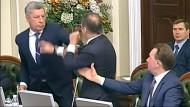 Schlägerei zwischen ukrainischen Politikern