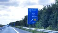 Vom Regionalflughafen in Weeze fliegen deutsche, aber auch viele niederländische Passagiere ab - noch.
