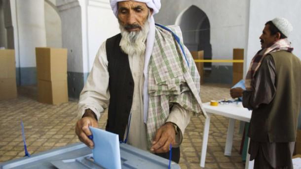 Mehrere Tote bei Anschlägen auf Wahllokale