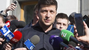 Ukrainischer Präsident Selenskyj löst Parlament auf