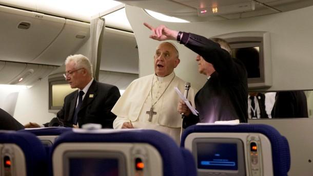 """Papst vergleicht Missbrauch mit """"satanischer Messe"""""""