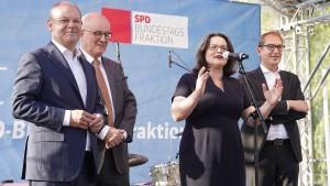Nahles will Spurwechsel in Koalition durchsetzen