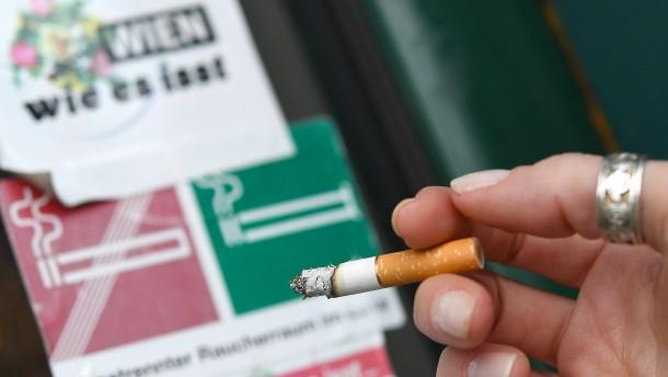 Parlament kippt Rauchverbot in Gastronomie