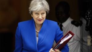 Zweifel der Briten an Mays Brexit-Strategie wachsen